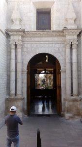 Wychodząc z katedry